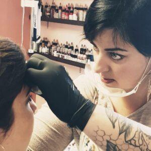 Audrey Rojo séance maquillage permanent